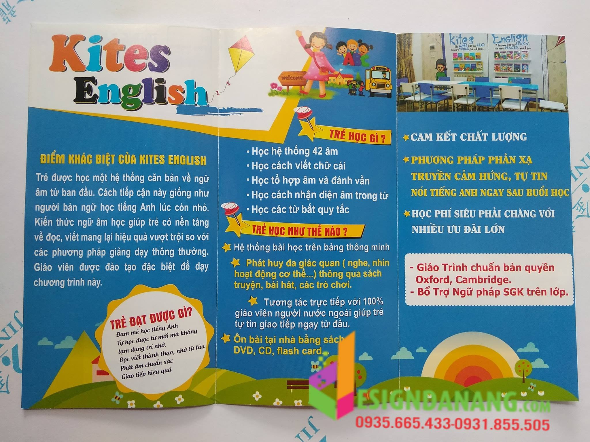 In brochure ( tờ gấp) KITES ENGLISH ĐÀ NẴNG